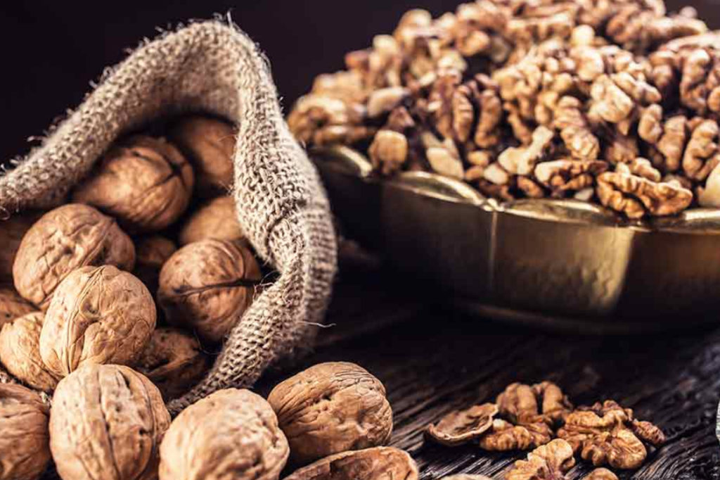 Study Proves That Walnuts Are the Best Nut for Healthy Aging