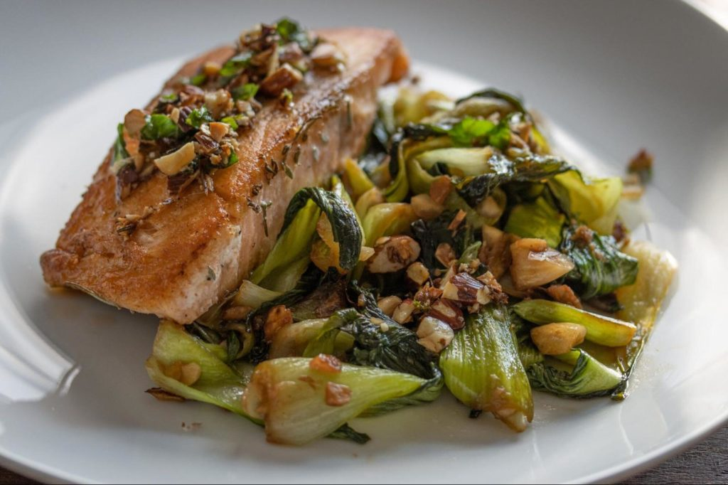 15-Min Recipe for Salmon With Steamed Bok Choy And Almonds