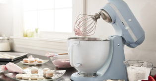 5 Stand Mixer Reviews Written by Kitchen Appliance Experts