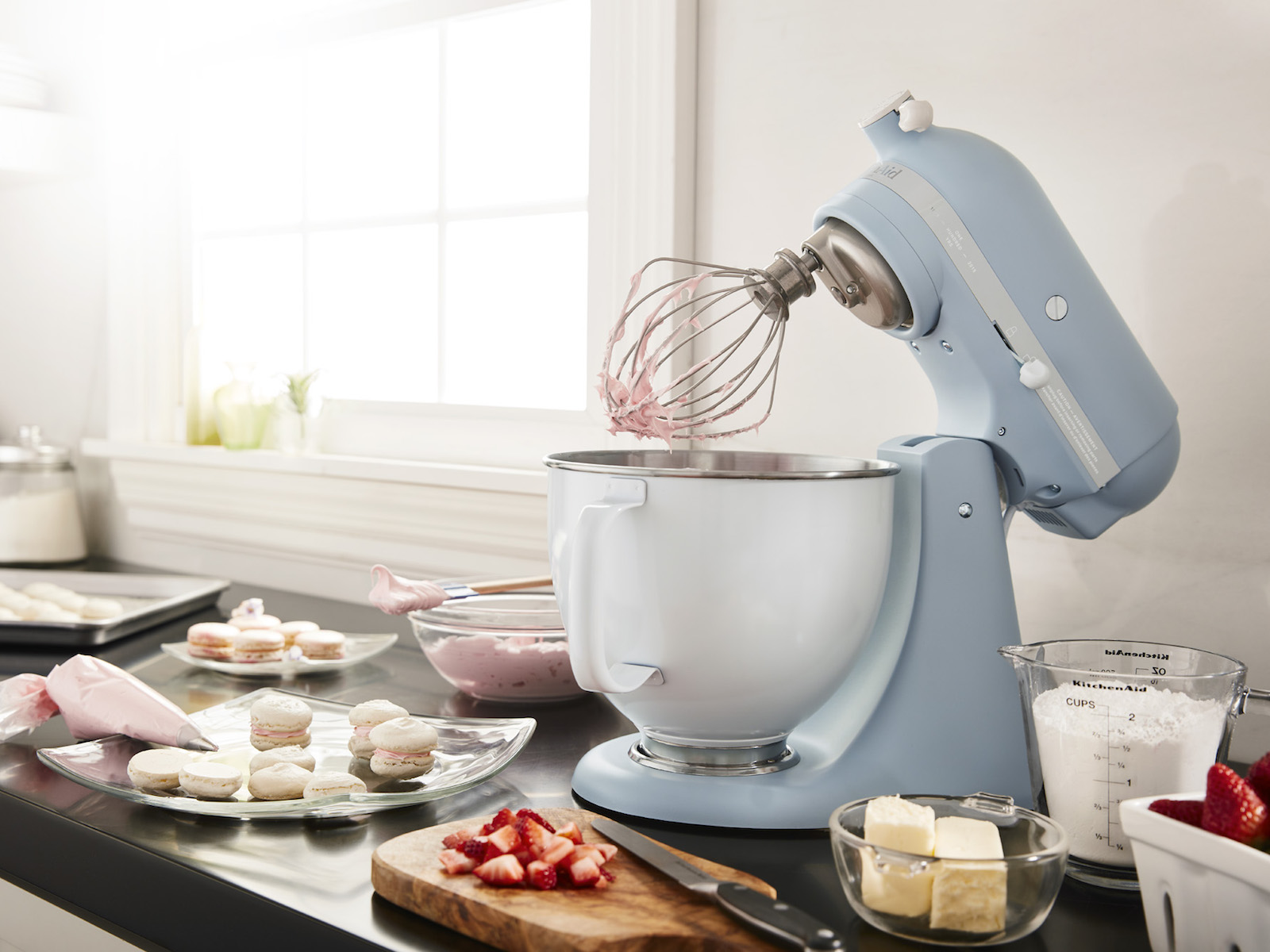 Stand Mixer whipping cream