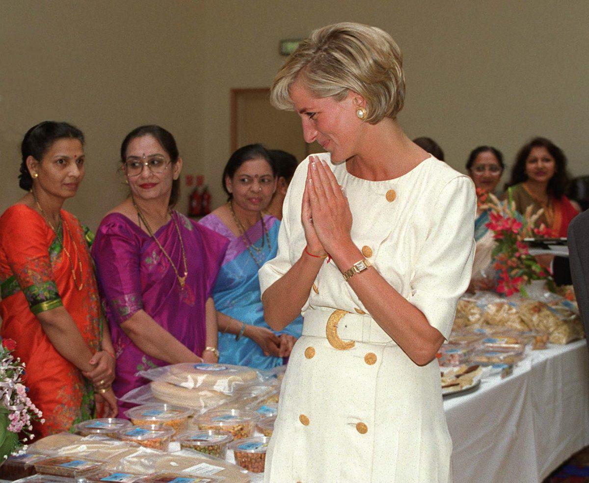 Princess Diana wearing the Cartier watch at a formal event in the early 90s