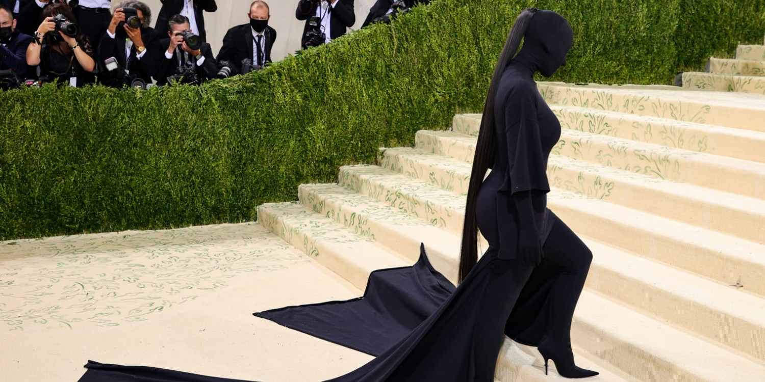 Kim Kardashian Decks Up in Incognito Glam for the Met Gala Red Carpet